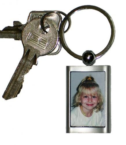 Metall-Schlüsselanhänger 28 x 42 mm